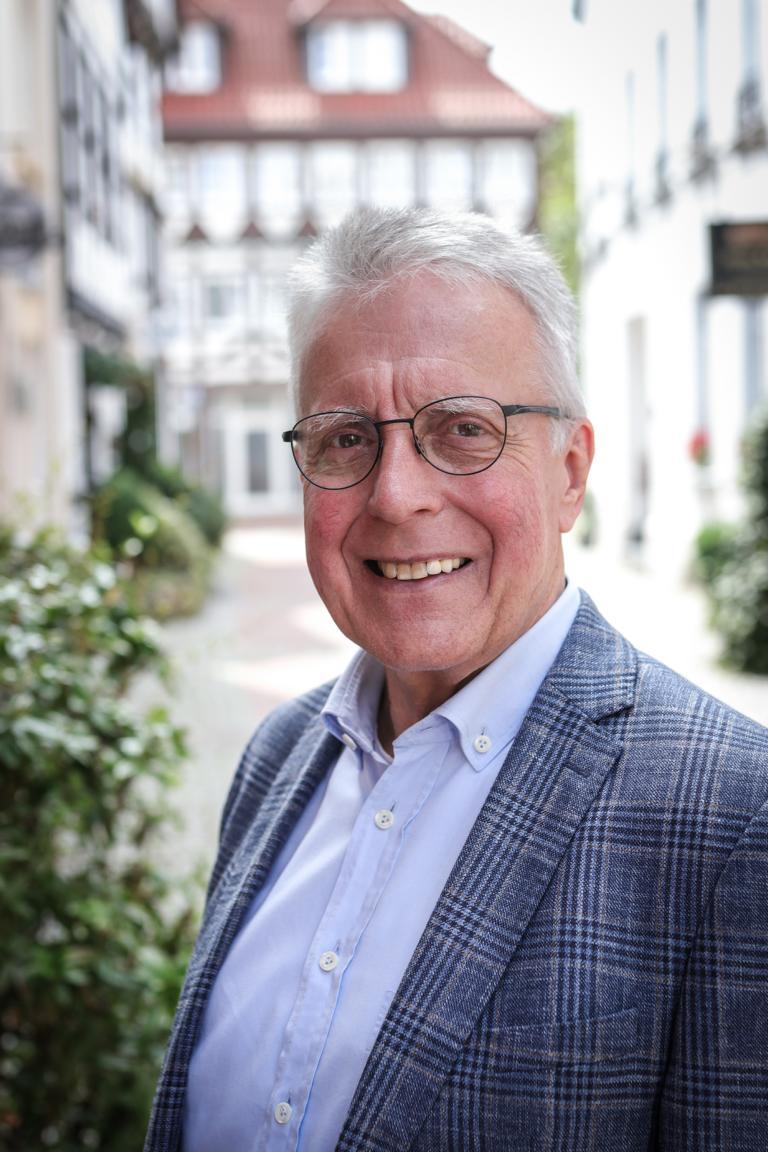 Werner H. Küll