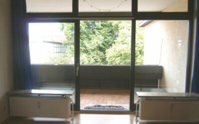 Vermietet: geräumige Wohnung mit Balkon mitten im Zentrum