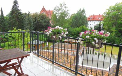 Vermietet: hochwertige, fast neue Wohnung (Bj. 2017) mit großem Balkon